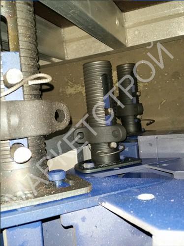 Щит угловой распалубочный стальной 0,3x0,3x3,3 метра